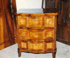 antik bútor restaurálás