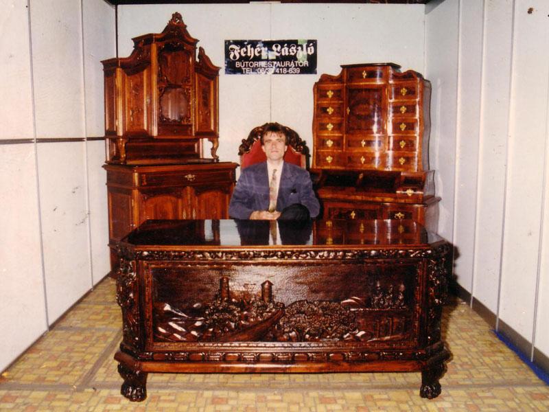 Bécsi barokk antik bútor felújítva